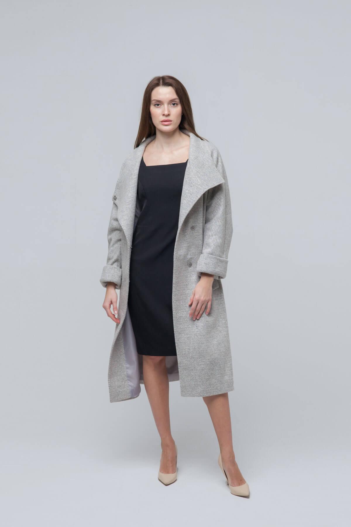 Пальто из текстиля. Фото 3