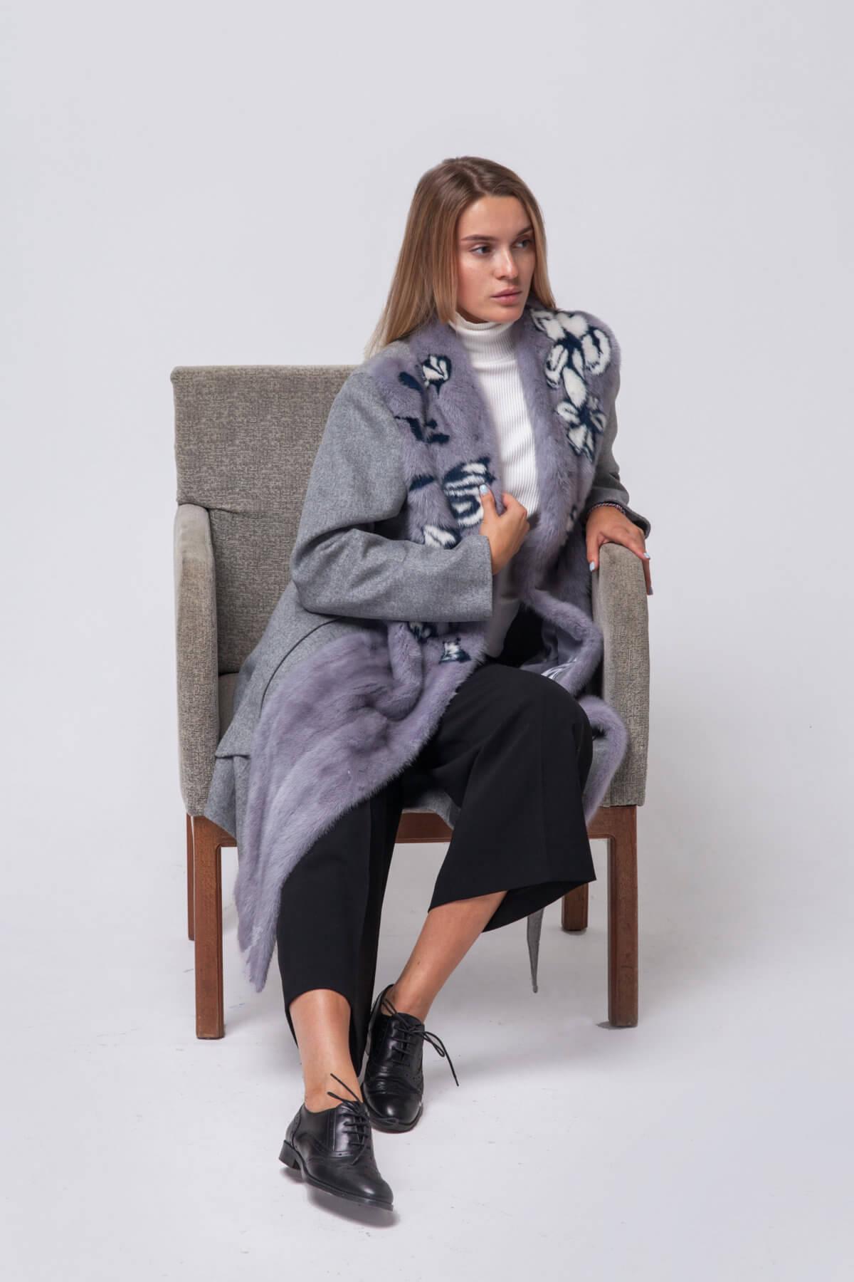 Комбинированное пальто с элементами норки. Фото 4