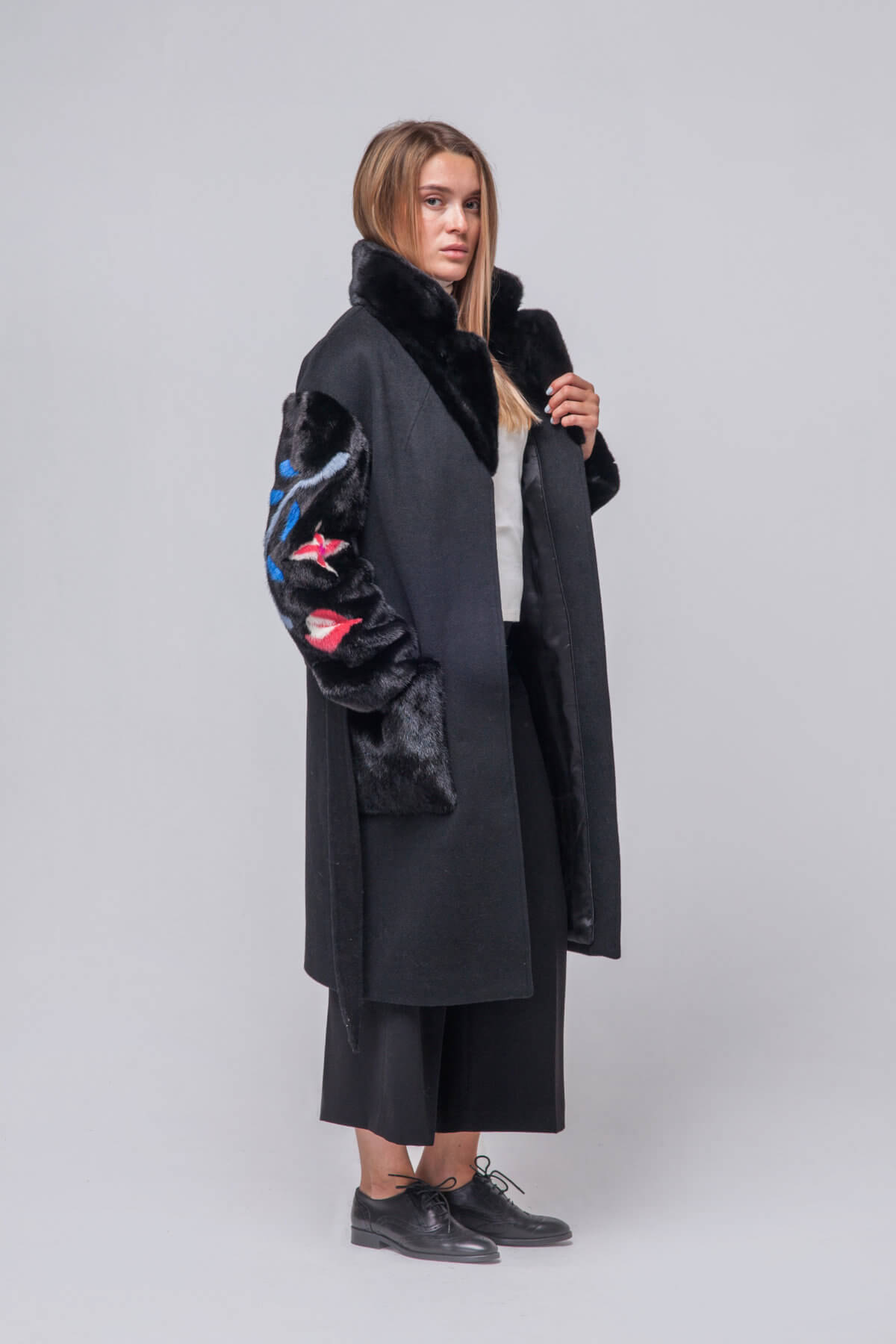 Комбинированное пальто с элементами норки. Фото 5