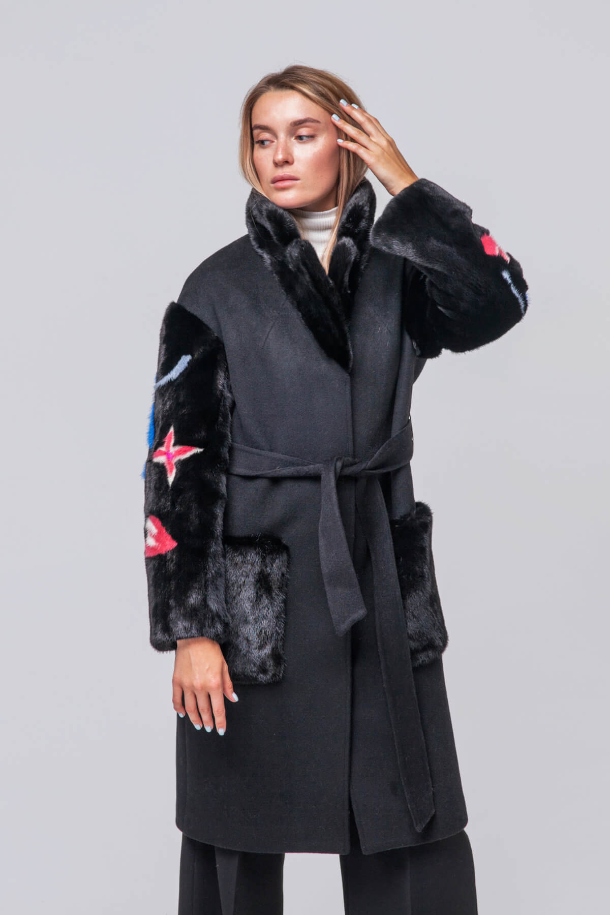 Комбинированное пальто с элементами норки. Фото 2