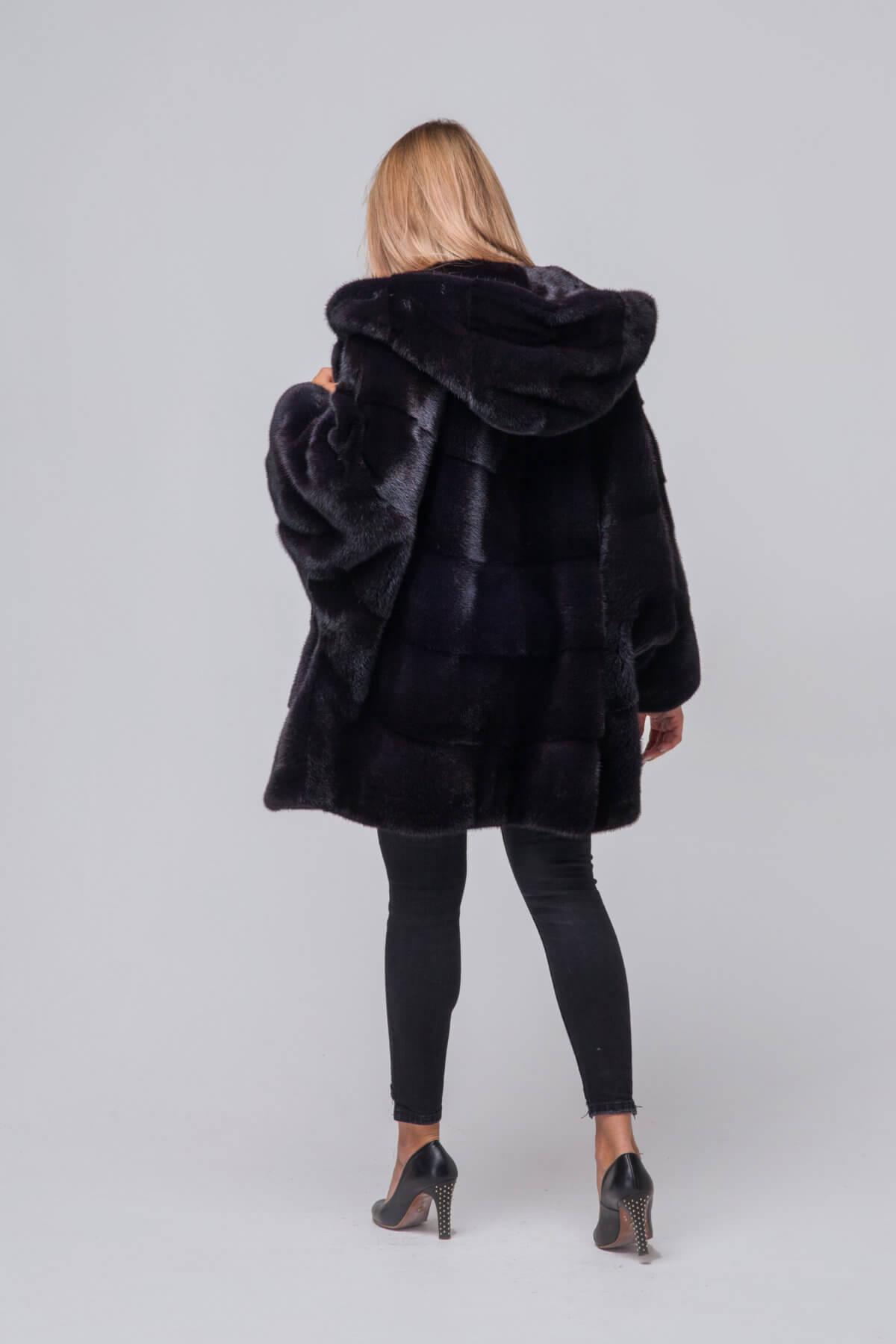 Пальто из европейской норки с капюшоном. Фото 4
