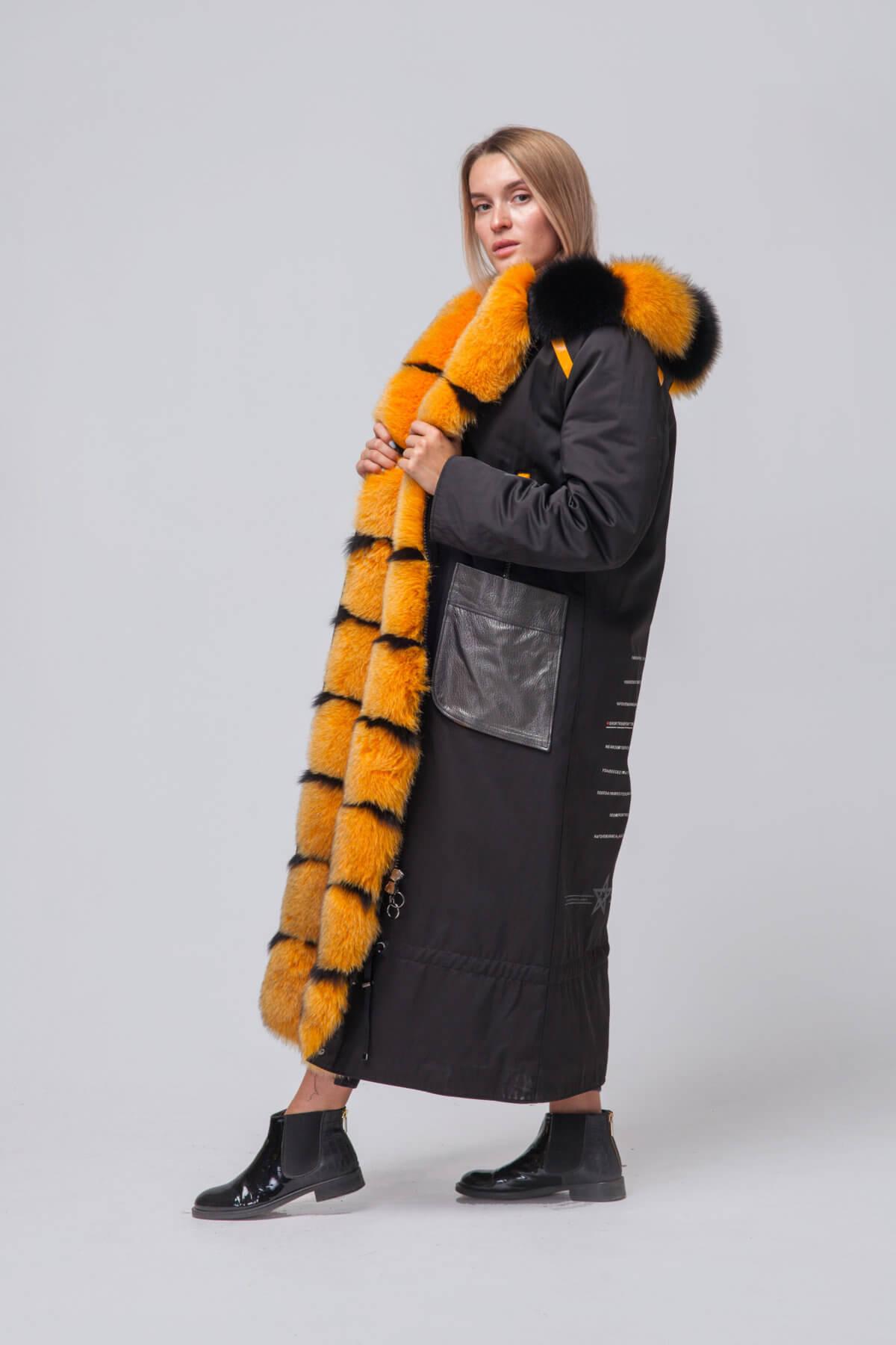 Длинное пальто с элементами песца. Фото 4