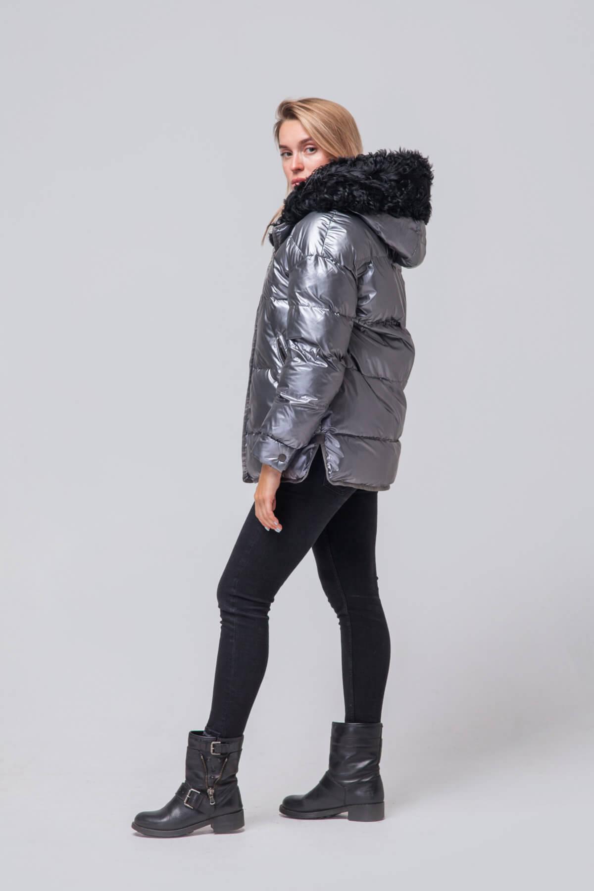 Утепленная куртка с мехом барашка. Фото 3