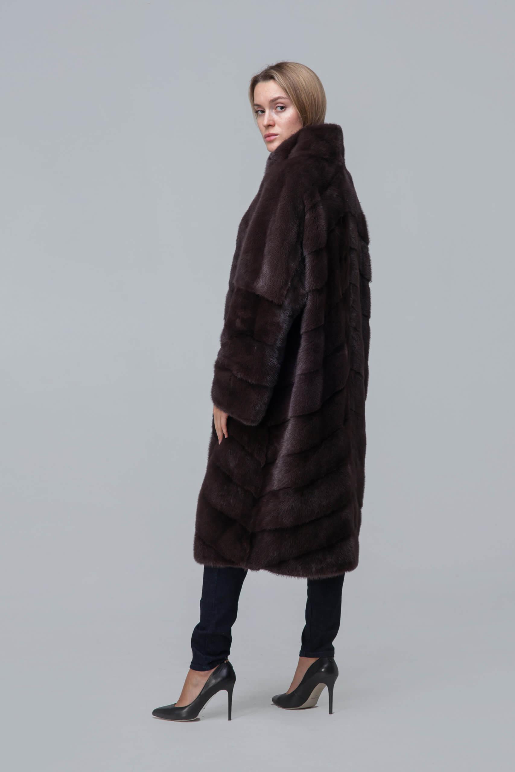 Пальто из норки со стойкой. Фото 2