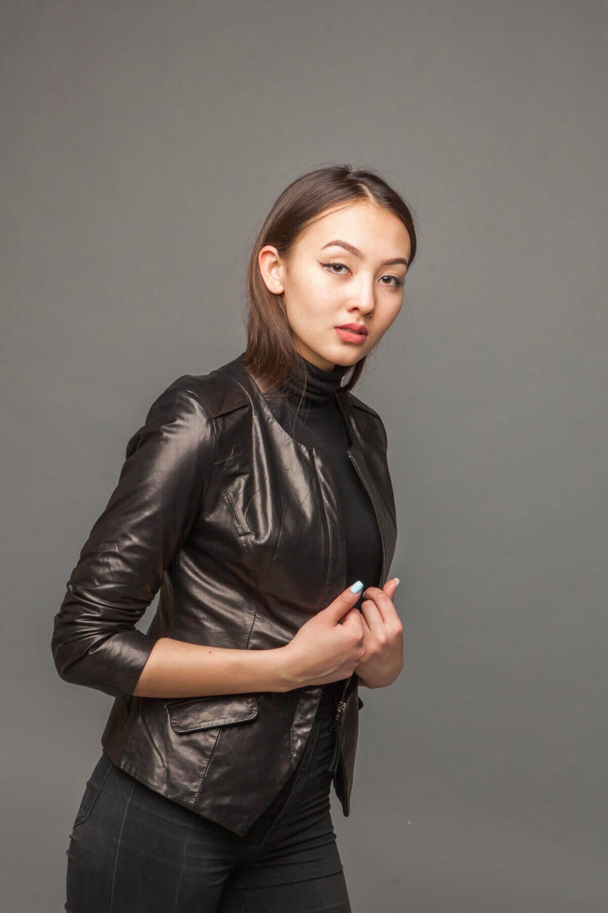 Куртка-жакет из натуральной кожи черная. Фото 2