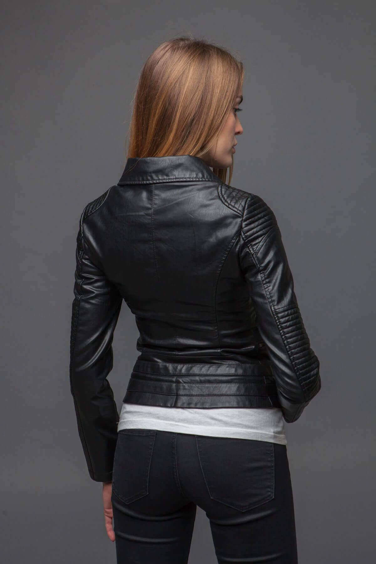Черный куртка-косуха из экокожи. Фото 5