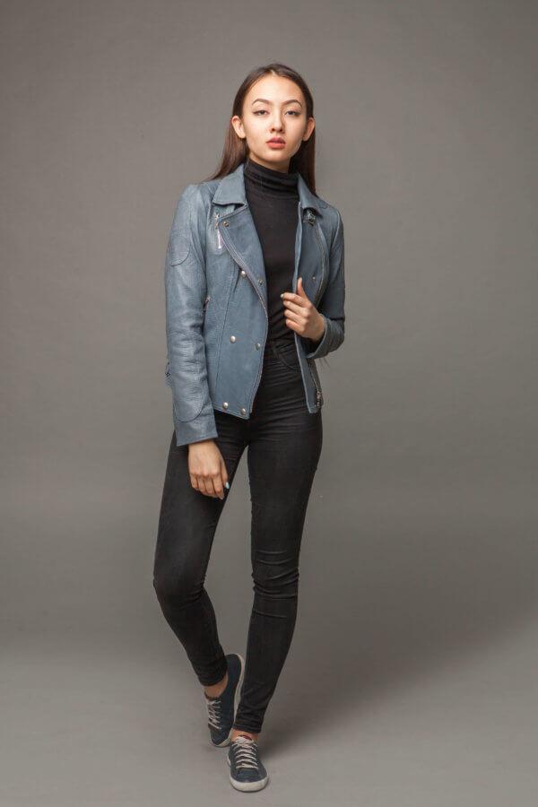 Кожаная куртка-косуха голубая. Фото 1