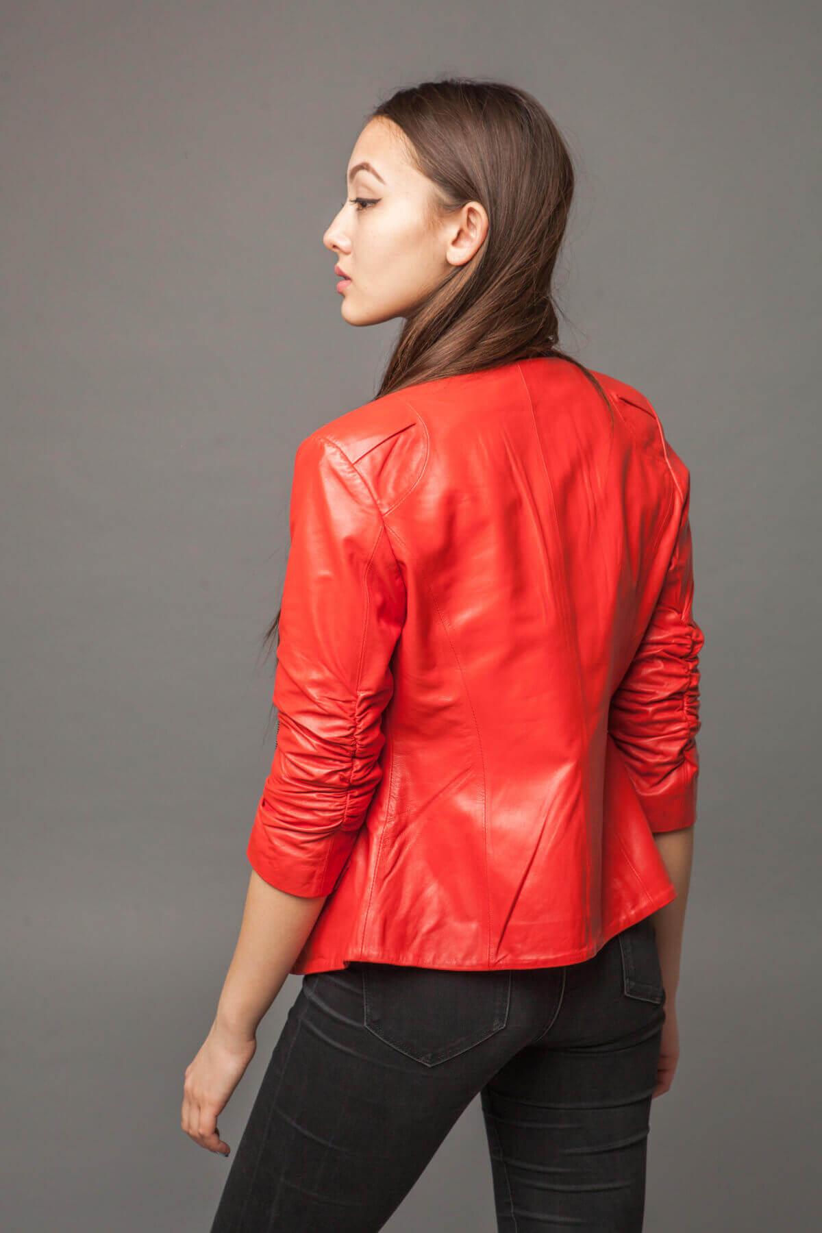 Куртка-жакет из натуральной кожи морковная. Фото 3