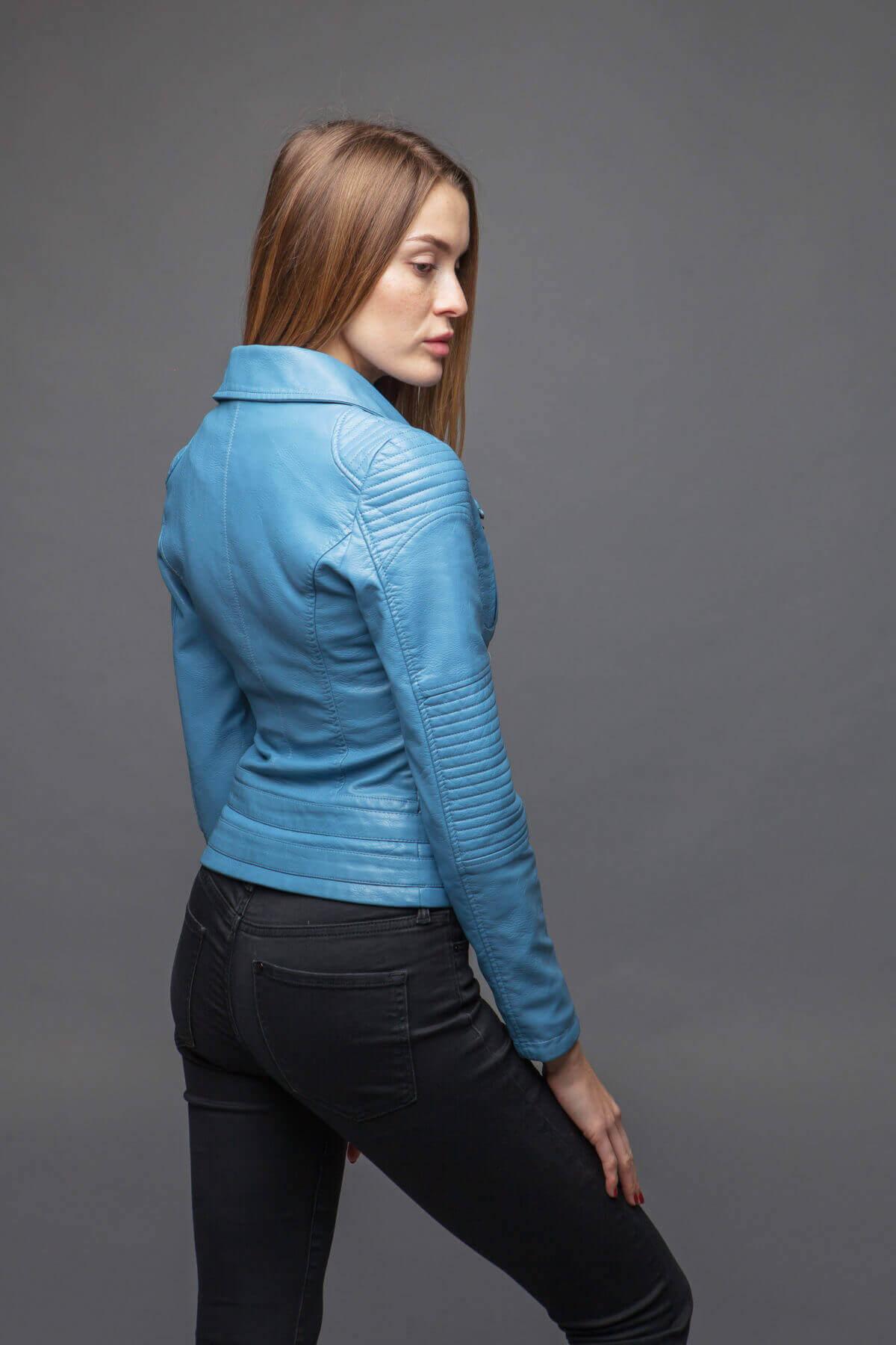 Синяя куртка-косуха с отложенным воротником. Фото 3