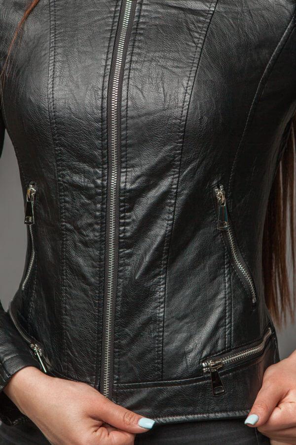 Куртка из экокожи с ультрамодной отделкой. Фото 2