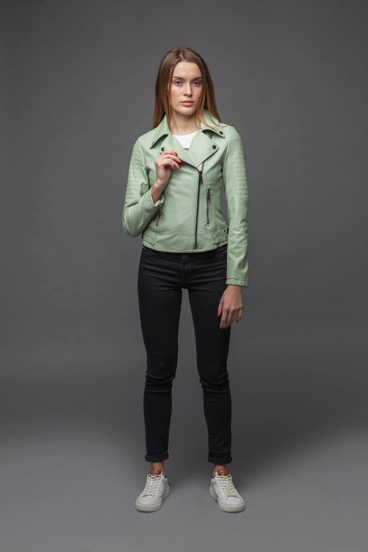 Стильная куртка-косуха мятного цвета. Фото 1