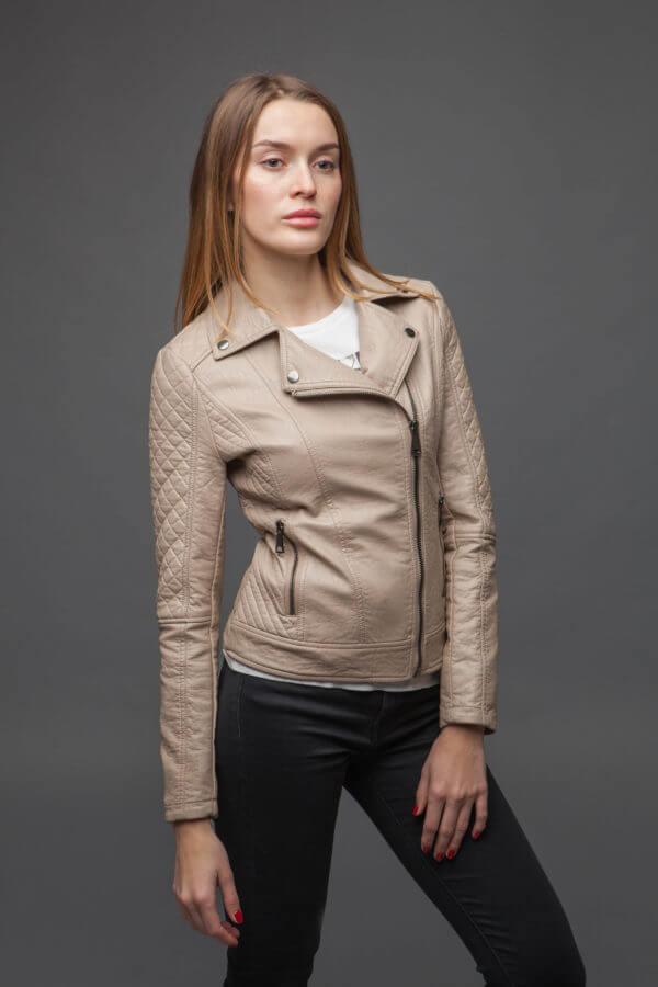 Женская куртка-косуха. Фото 2