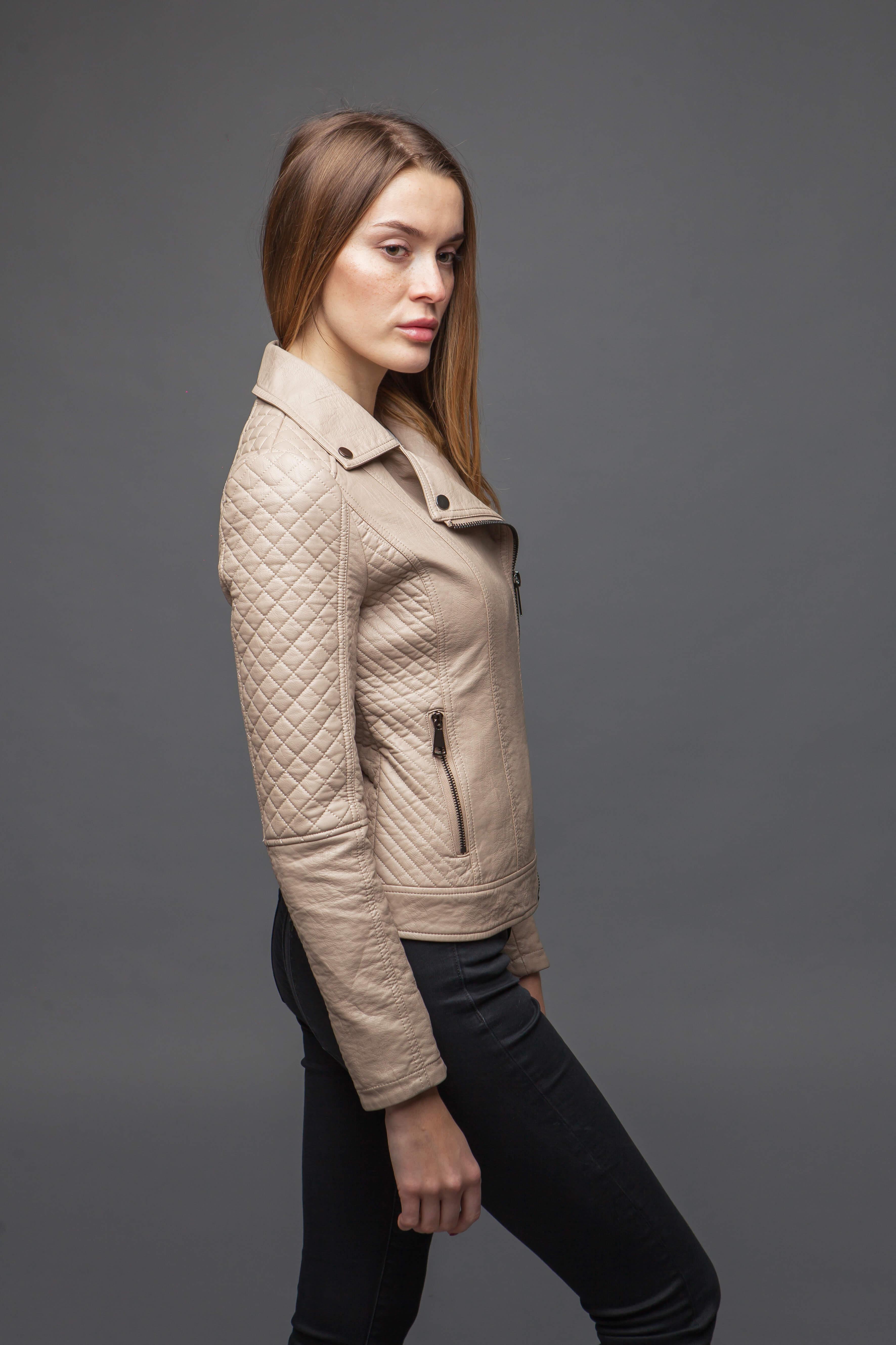 Женская куртка-косуха. Фото 3